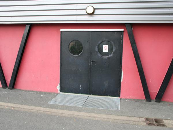 Salle de sport du 8 mai annuaire accessibilit for Porte entree solde